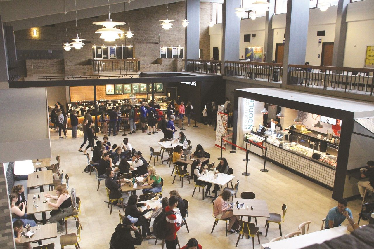 Khu vực ẩm thực của sinh viên Đại học Hofstra
