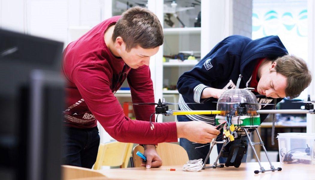 Chương trình đào tạo tại các trường đại học khoa học ứng dụng chú trọng tính thực hành và kết nối sinh viên với các doanh nghiệp, ngành nghề liên quan.