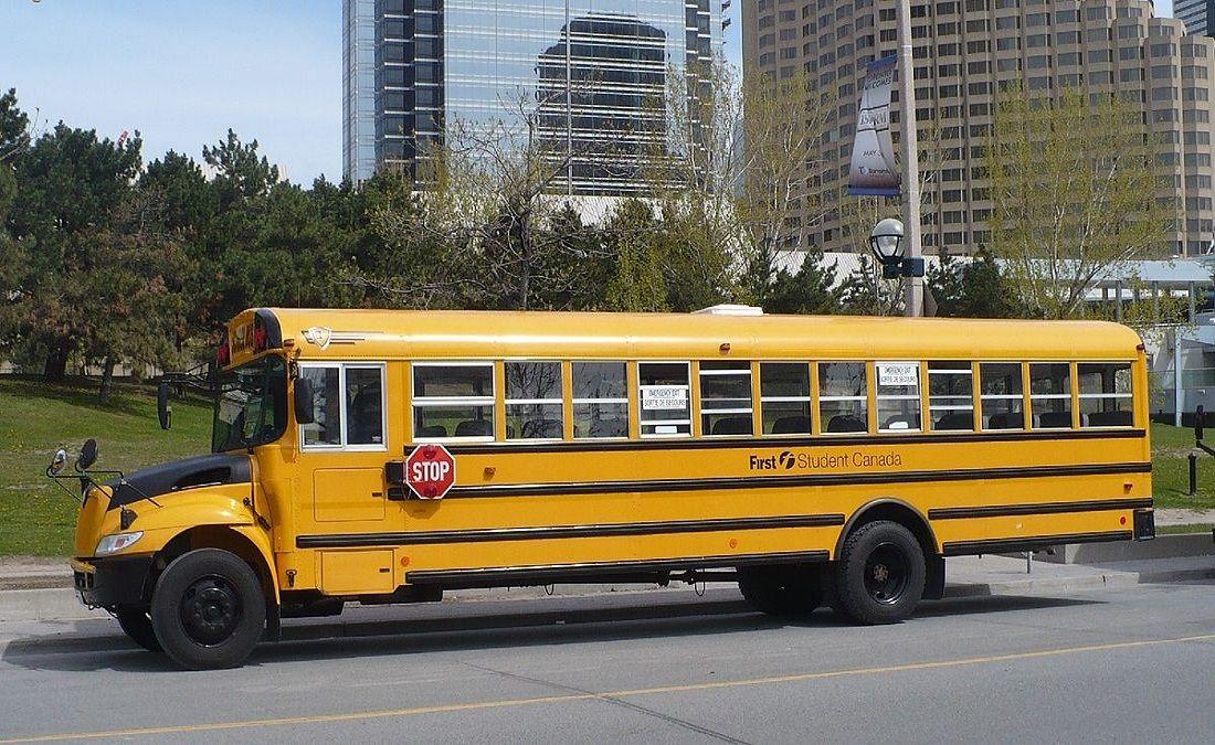 Hệ thống xe buýt trường học được làm sạch và khử khuẩn để đảm bảo an toàn cho học sinh