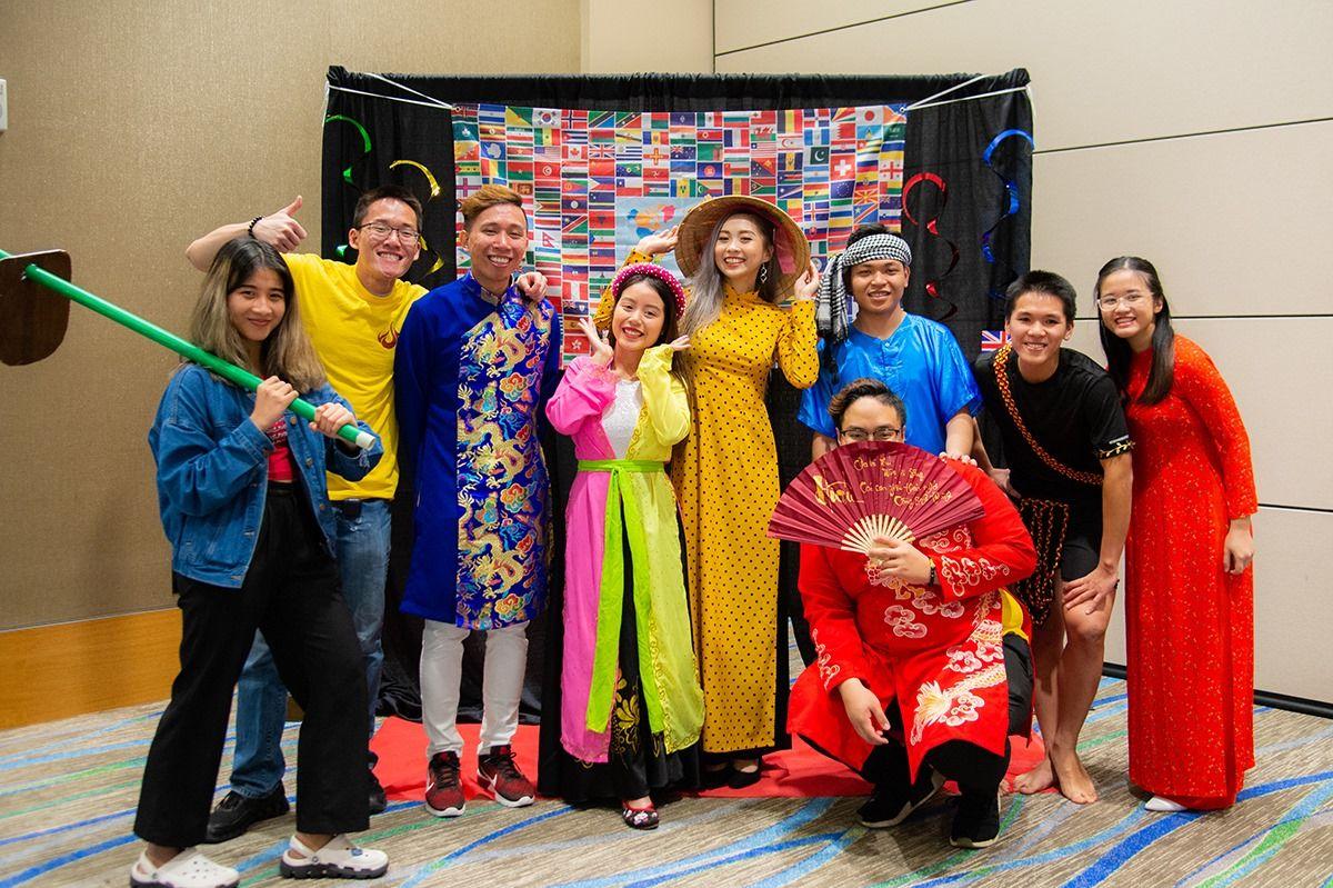 Một nhóm sinh viên Việt Nam tại Đại học Texas A&M - Corpus Christi