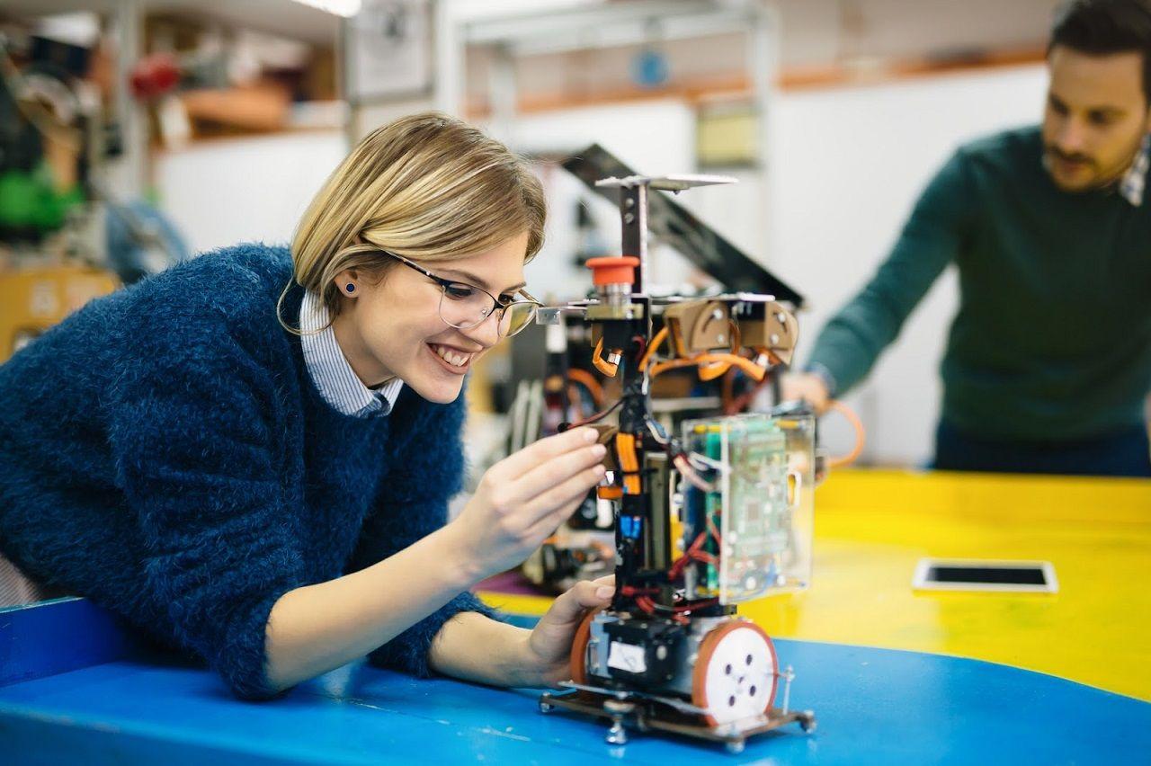 Sinh viên tốt nghiệp các ngành STEM theo chương trình OPT mở rộng có thể làm việc tại Mỹ đến 3 năm