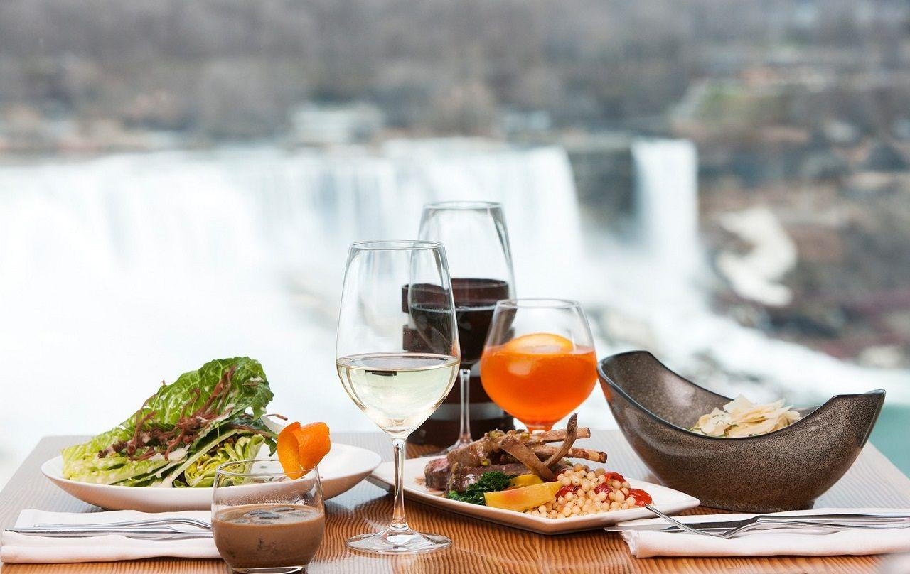 Ẩm thực Niagara là sự kết hợp tinh tế giữa món ăn và thức uống