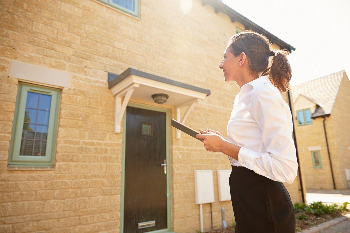 Chương trình quản lý bất động sản của Đại học KHUD Wittenborg đào tạo bạn thành một chuyên gia linh hoạt với các kỹ năng cần thiết để thành công trong lĩnh vực này