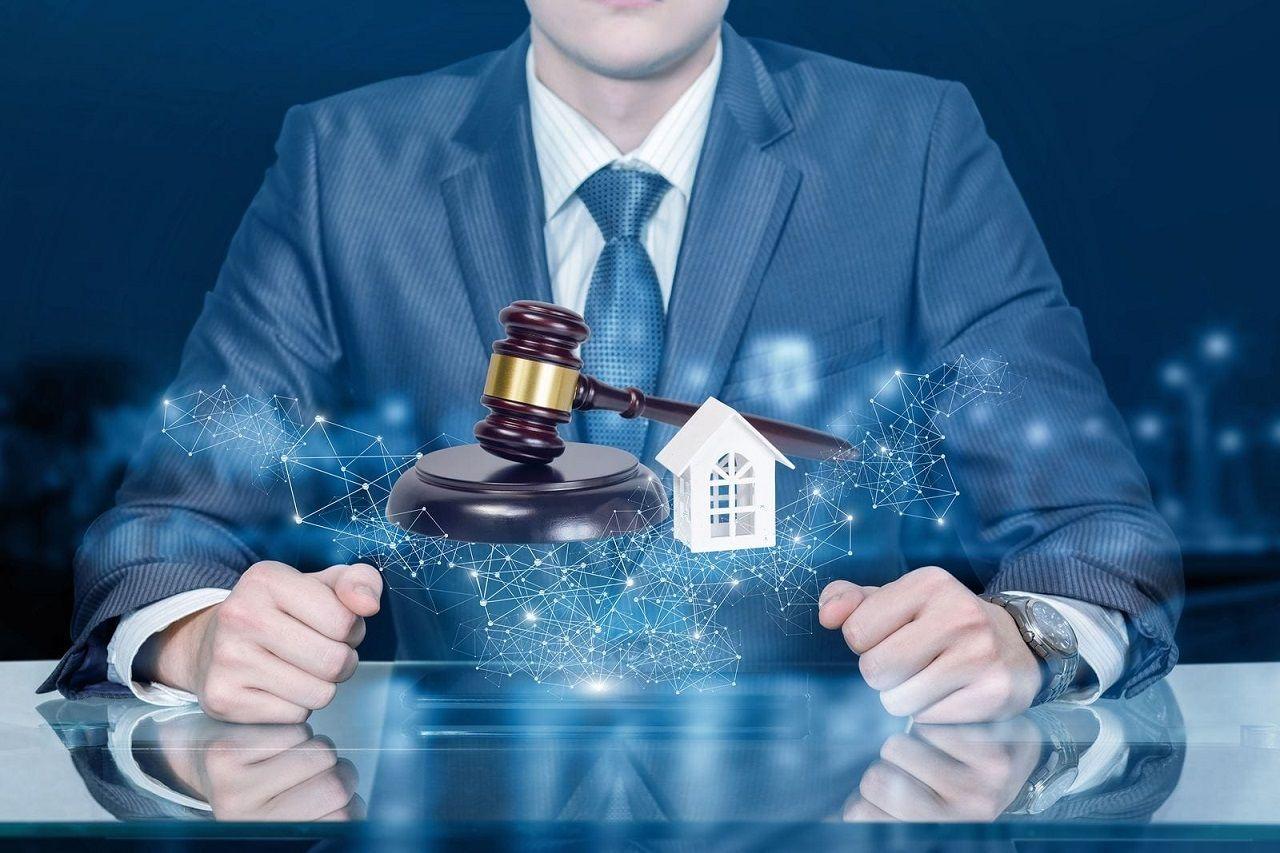 Ngoài tiến hành đấu giá, nhân viên đấu giá bất động sản còn thực hiện nhiều trách nhiệm khác