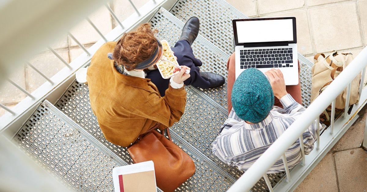 Sinh viên Đại học Massachusetts Boston có thể tự học mọi lúc mọi nơi