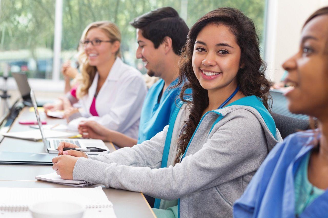 Chương trình pathway được thiết kế phù hợp để nâng cao kiến thức và kỹ năng tiếng Anh, học thuật của sinh viên
