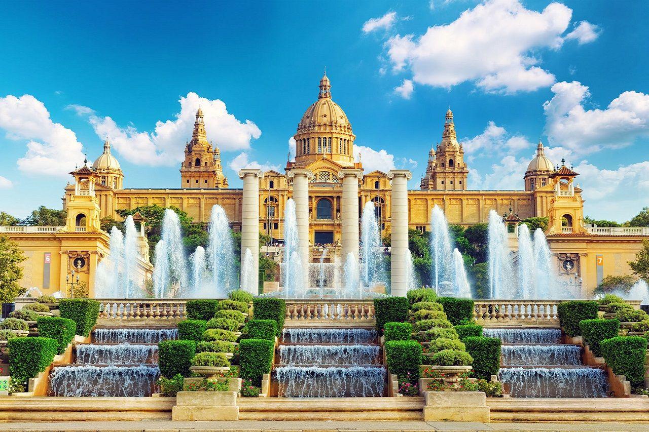 """Tây Ban Nha sở hữu rất nhiều công trình kiến trúc và cảnh đẹp thiên nhiên cho những bức ảnh """"để đời"""" của bạn"""