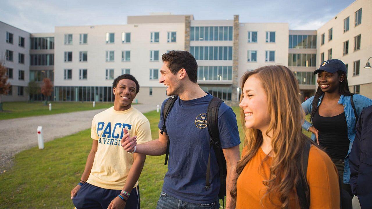 Học bổng giá trị cao từ Đại học Pace giúp giảm bớt một phần chi phí du học Mỹ cho sinh viên quốc tế