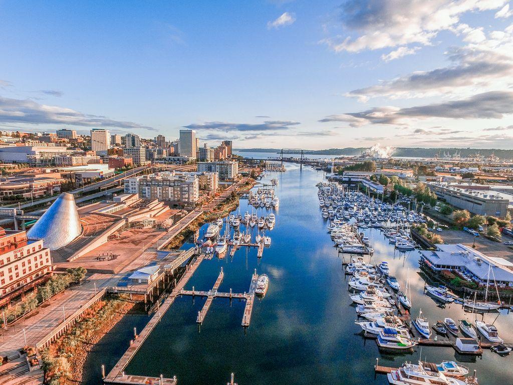 Thành phố Tacoma bang Washington hiện đại, yên bình
