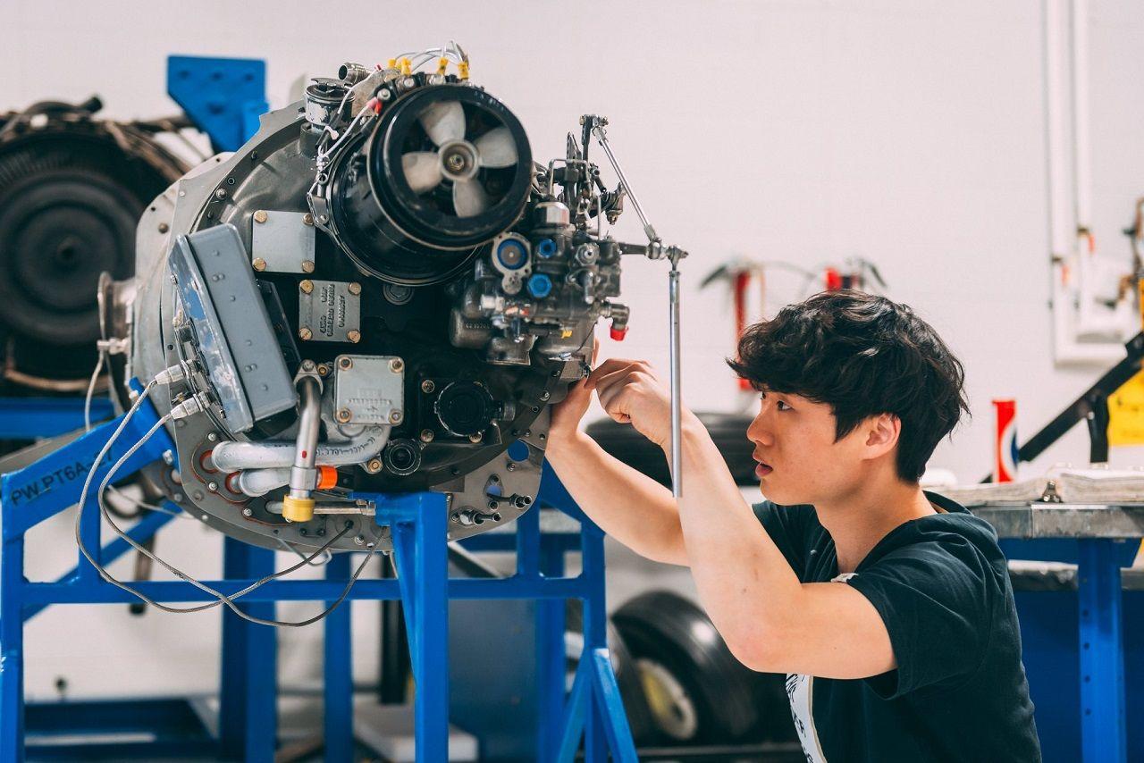 Cao đẳng Confederation nổi tiếng với các chương trình đào tạo về kỹ thuật công nghệ hàng không