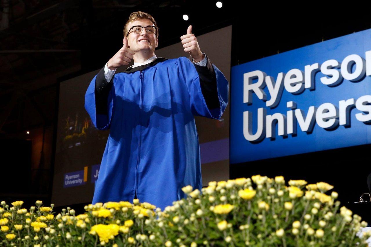 Sinh viên Đại học Ryerson với cơ hội rộng mở cho học tập và nghề nghiệp