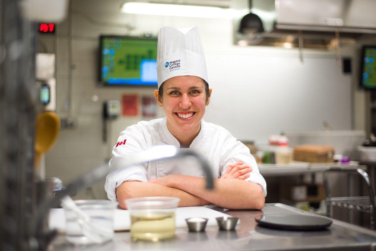 Selah Schmoll - sinh viên ngành quản lý ẩm thực của Niagara trước thềm cuộc thi Olympic đầu bếp trẻ tại Ấn Độ