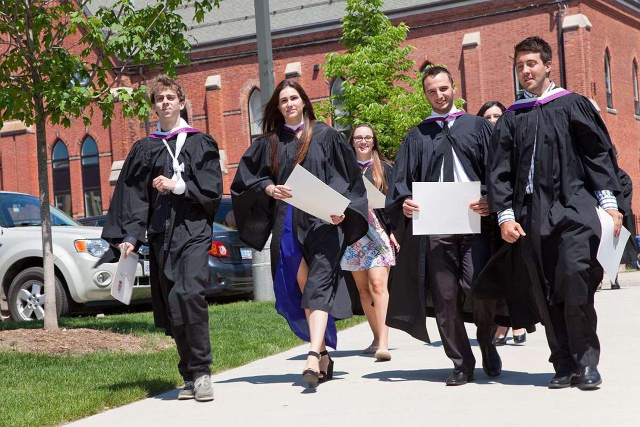 Cơ hội nhận học bổng 7.500 CAD của WLIC – Đại học Wilfrid Laurier khi nộp hồ sơ trước ngày 30/4/20121