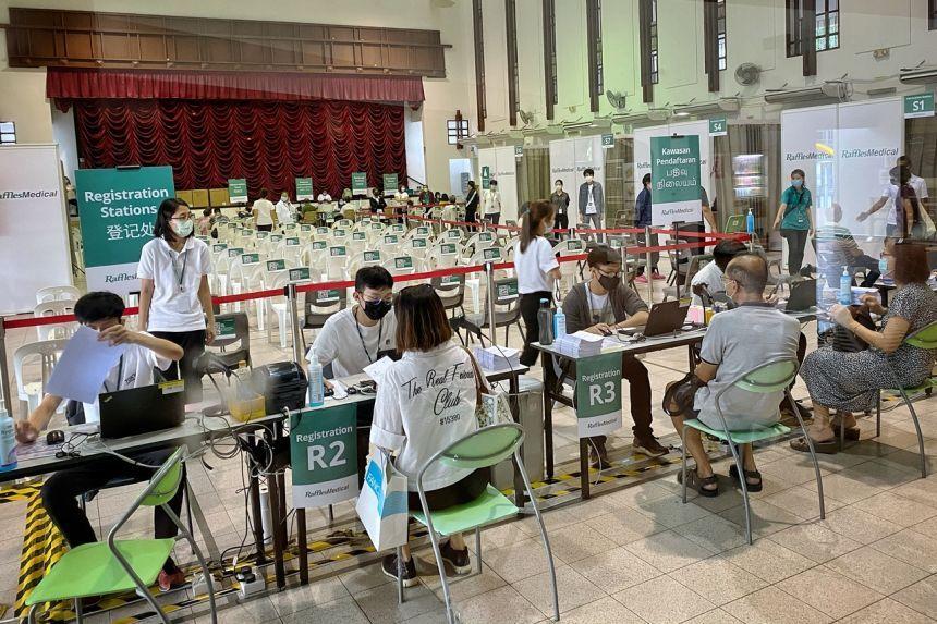 Một điểm đăng ký và tiêm vaccine Moderna ngừa Covid-19 ở Singapore