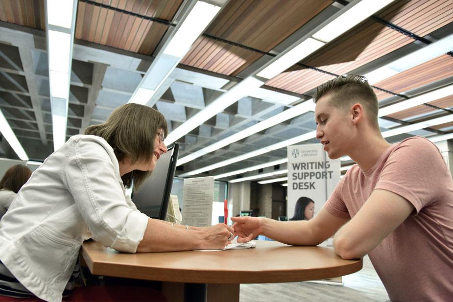 Sinh viên quốc tế được giúp đỡ để trải nghiệm học thuật, cuộc sống tốt nhất tại Đại học Windsor