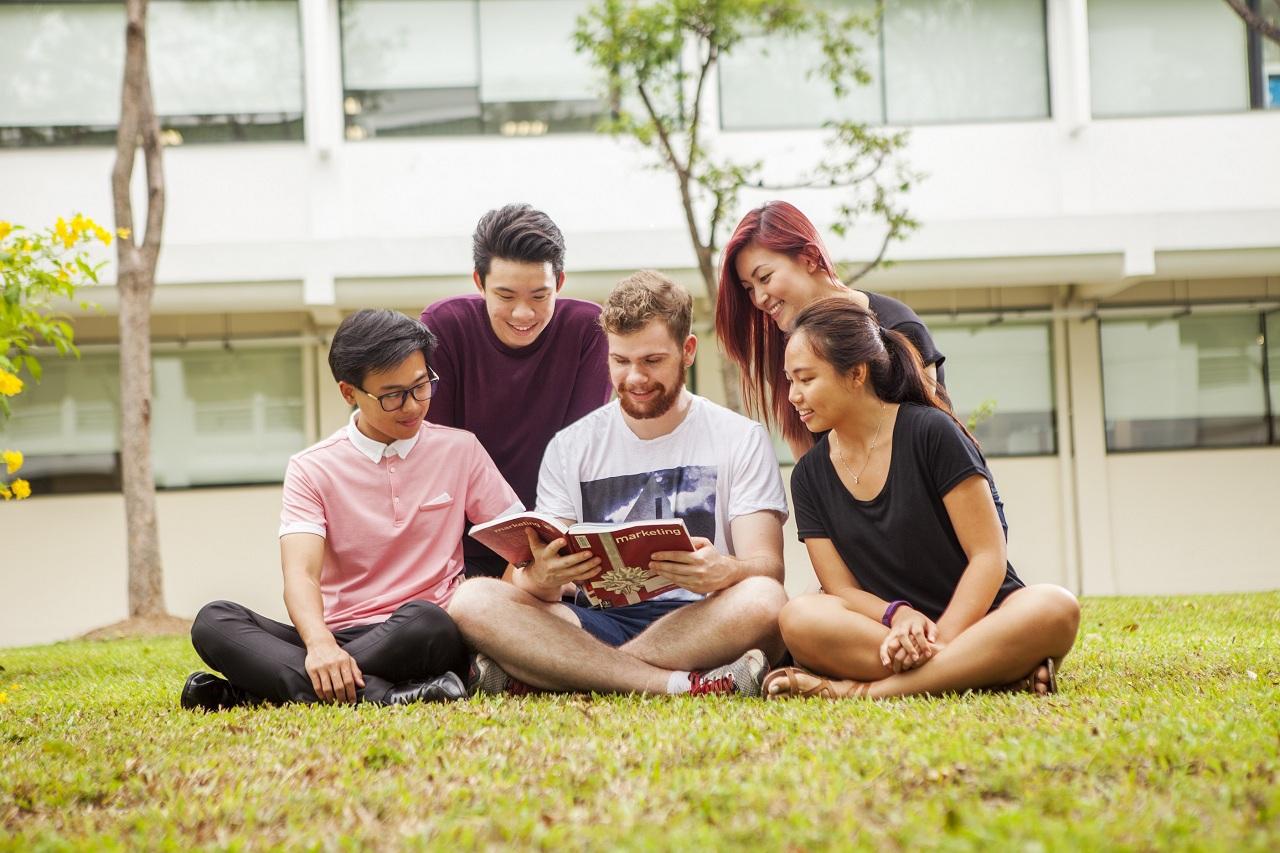 Sinh viên được tận hưởng môi trường giáo dục chất lượng, kết nối và nhiều lợi ích tại Đại học JCU Singapore