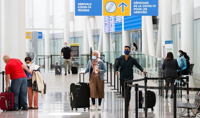 Khách quốc tế được chào đón tới Canada với các biện pháp biên giới ngày càng nới lỏng hơn