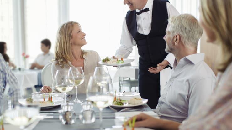 Lĩnh vực du lịch, nhà hàng khách sạn sẽ tiếp tục có nhu cầu bổ sung những chuyên gia xuất sắc trong tương lai