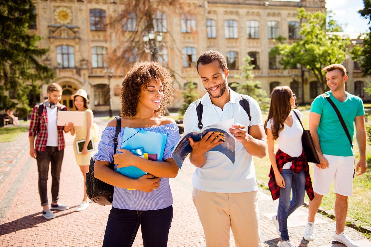 Canada tiếp tục là điểm đến hàng đầu và an toàn cho sinh viên quốc tế