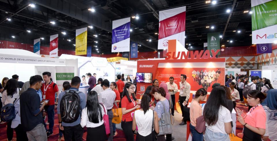 Sinh viên Đại học Sunway có nhiều cơ hội tìm kiếm việc làm, tiếp cận và xây dựng mối quan hệ với các nhà tuyển dụng và tuyển dụng trong khuôn viên trường thông qua các hội chợ nghề nghiệp quy mô